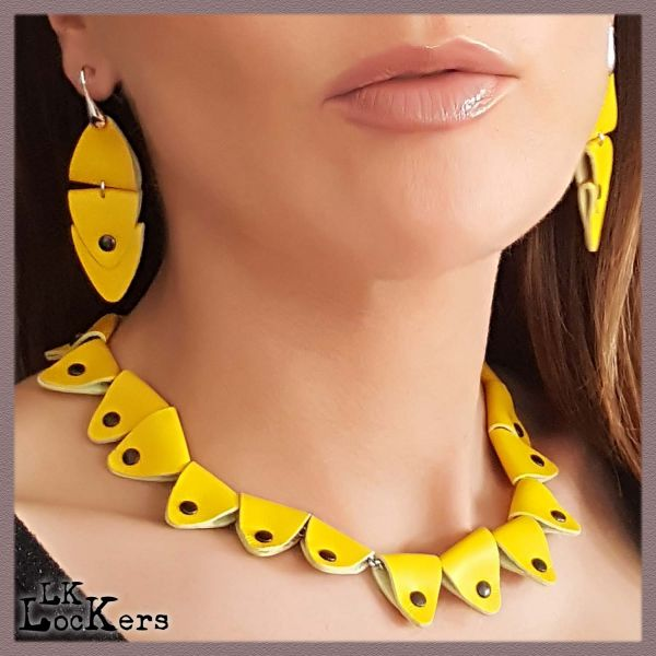 lk-lockers-collana-in-pelle-paure-ellipetalo-yellow2-01-a64B88605-DB9A-27AE-5AB8-3F200CB395C8.jpg